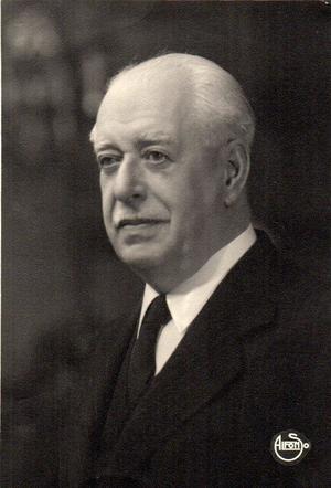 Julio Casares retrato