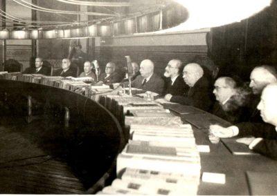 Julio Casares en la Sala de Plenos de la Real Academia de la Lengua. Silla J