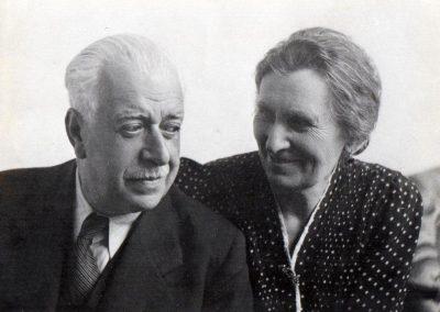 """Con su mujer, Mª Dolores,""""la luz del científico"""""""
